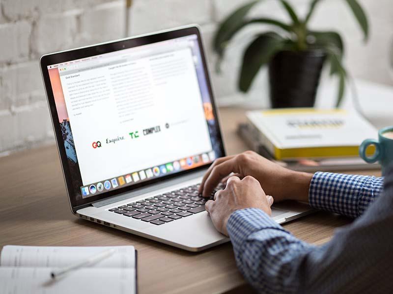 Qué información añadir a tu firma de email